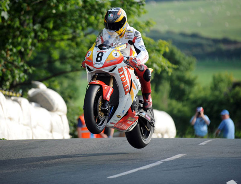 Guy Martin Ballaugh Bridge TT 2009 Superbike Practice : Isle of Man TT - Official Shop