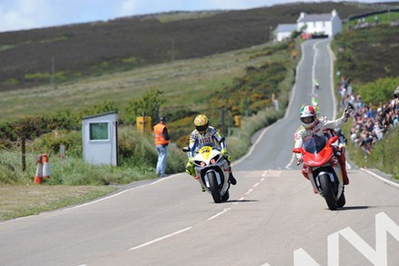 Rossi and Agostini Creg Ny Baa 2009 - click to enlarge