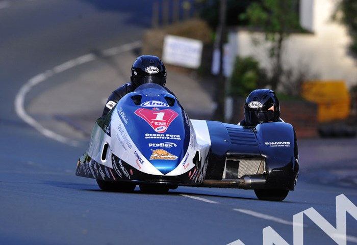 John Holden and Andy Winkle TT 2011 Sidecar 2 Union Mills - click to enlarge