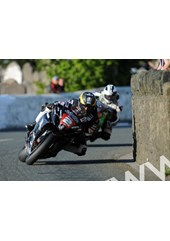 Guy Martin leads M. Dunlop Church Bends Southern 100 2011