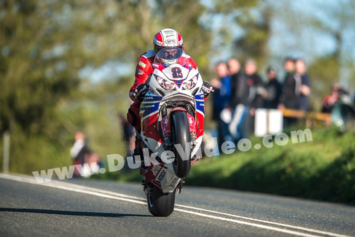 Michael Rutter Crosby TT 2013 - click to enlarge