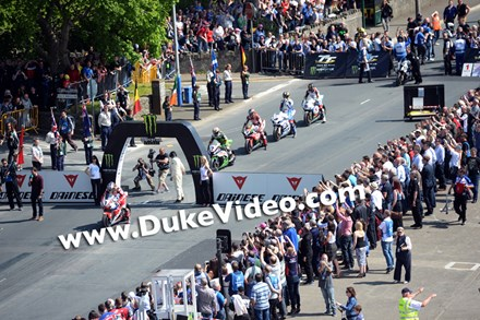 John McGuinness Superbike TT,  Isle of Man 2014 - click to enlarge