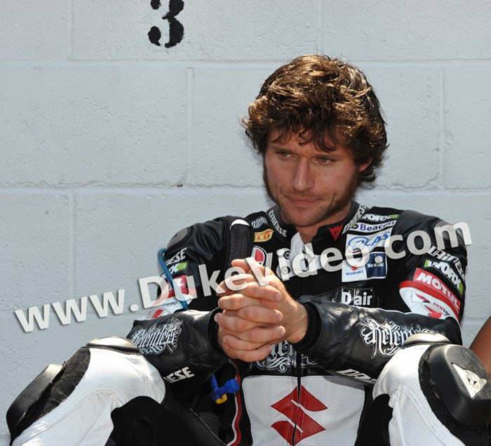 Guy Martin TT Superbike 2011 Print - click to enlarge