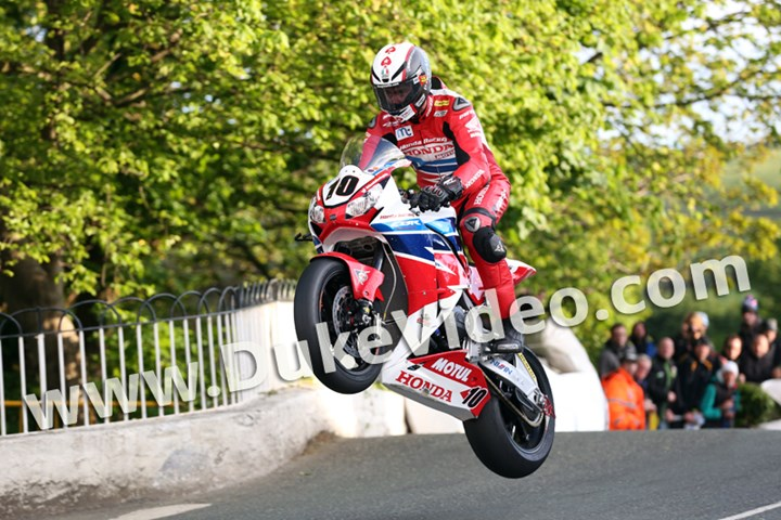 Conor Cummins Ballaugh Bridge TT 2015 Print - click to enlarge